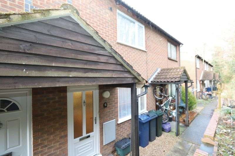 1 Bedroom Terraced House for sale in 1 Bedroom Freehold, off Chairborough Road