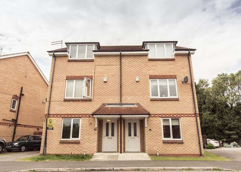 4 Bedrooms Semi Detached House for sale in Merchant Way, Cottingham