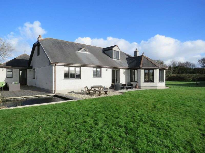 4 Bedrooms Detached House for sale in Wheal Rose, Redruth