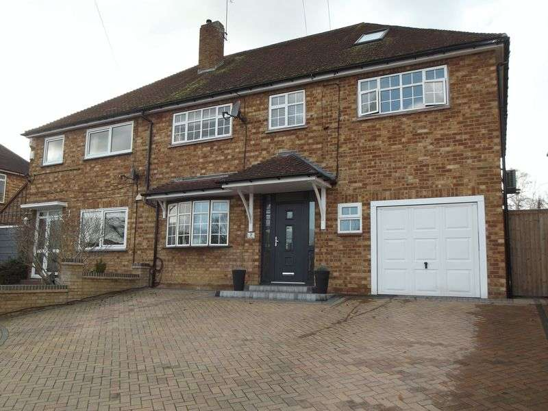 5 Bedrooms Semi Detached House for sale in