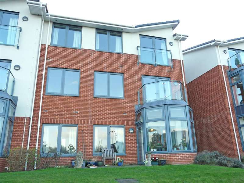 2 Bedrooms Apartment Flat for sale in Renton Avenue, The Rose Garden, Off Ledbury Road, Hereford, HR1