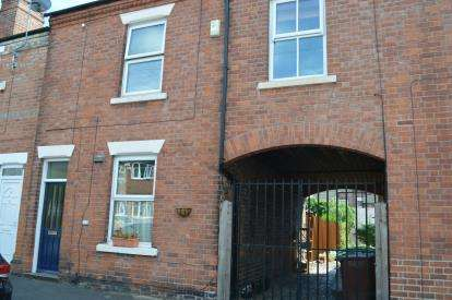 3 Bedrooms Terraced House for sale in Bernard Street, Carrington, Nottingham