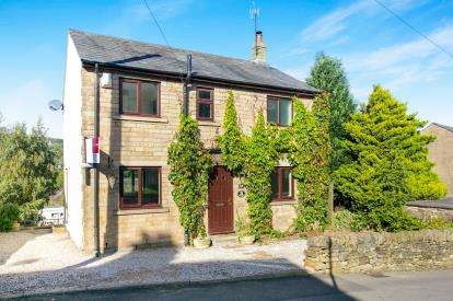 3 Bedrooms Detached House for sale in Old Road, Whaley Bridge, High Peak, Derbyshire
