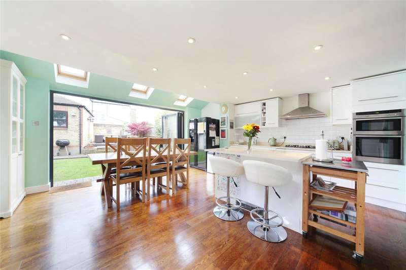 4 Bedrooms End Of Terrace House for sale in Cheriton Square, Balham, London, SW17