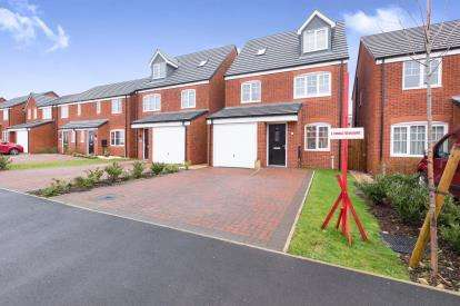 4 Bedrooms Detached House for sale in Walnutwood Avenue, Bamber Bridge, Preston, Lancashire