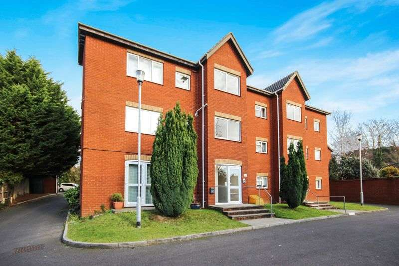 2 Bedrooms Flat for sale in COBDEN AVENUE, BITTERNE PARK, SOUTHAMPTON, SO18
