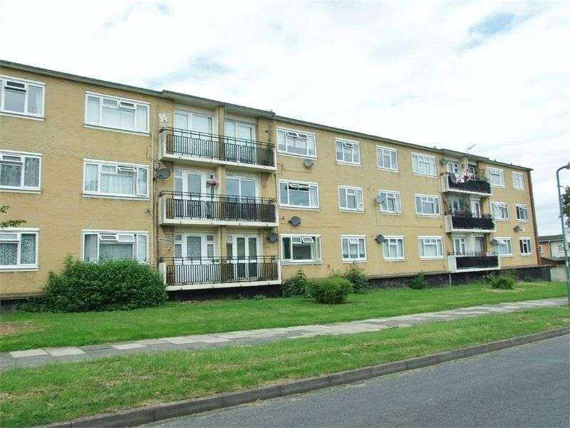 2 Bedrooms Flat for sale in Tanys Dell, Harlow