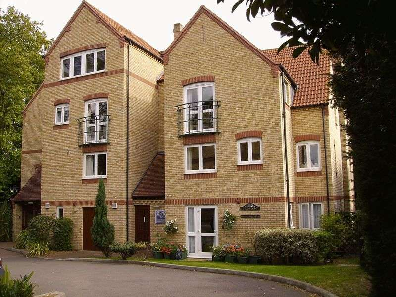 2 Bedrooms Retirement Property for sale in The Views, Huntingdon, PE29 3BY