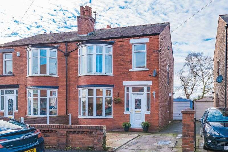 3 Bedrooms Semi Detached House for sale in Knowsley Road, Springfield