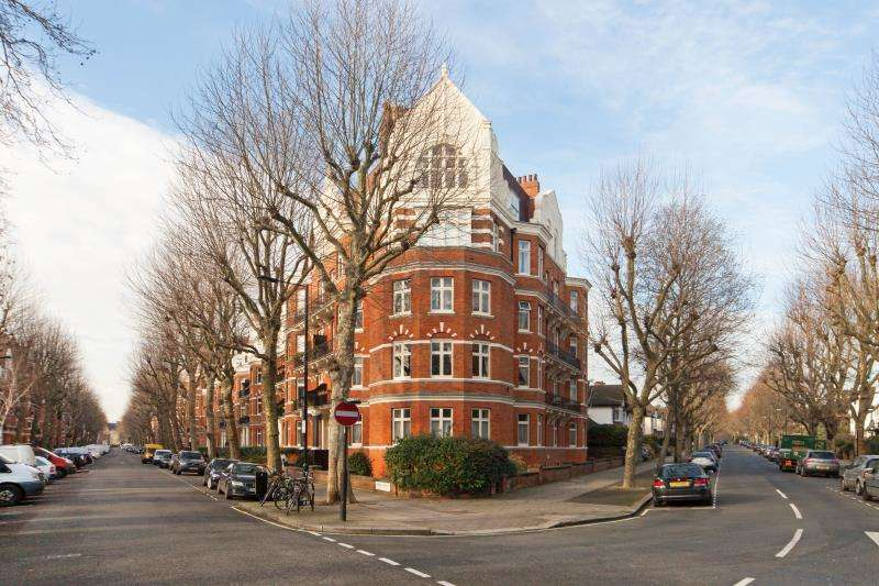 3 Bedrooms Flat for sale in Lauderdale Road, Maida Vale