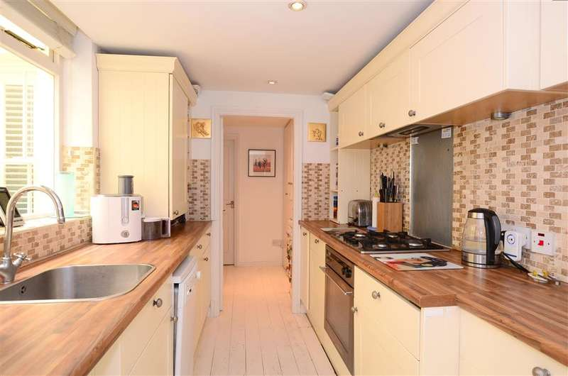 2 Bedrooms Flat for sale in Lower Rock Gardens, Kemp Town, Brighton, East Sussex
