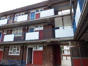 1 Bedroom Flat for sale in Pincombe House, Orb Street, Walworth, London