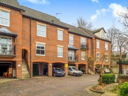 2 Bedrooms Flat for sale in Coltishall, Norwich, Norfolk