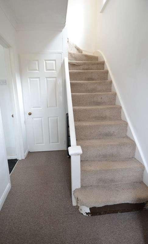 3 Bedrooms Semi Detached House for sale in Ryde Park Road, Rednal, Birmingham