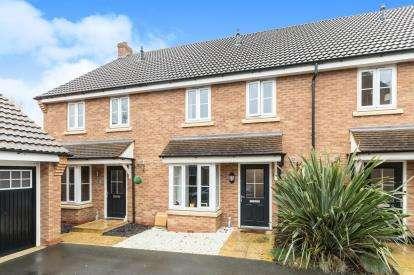3 Bedrooms Terraced House for sale in Red Kite View, Calvert, Buckingham, Bucks