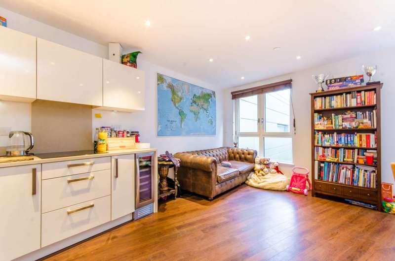 2 Bedrooms Flat for sale in Queensland Road, Islington, N7