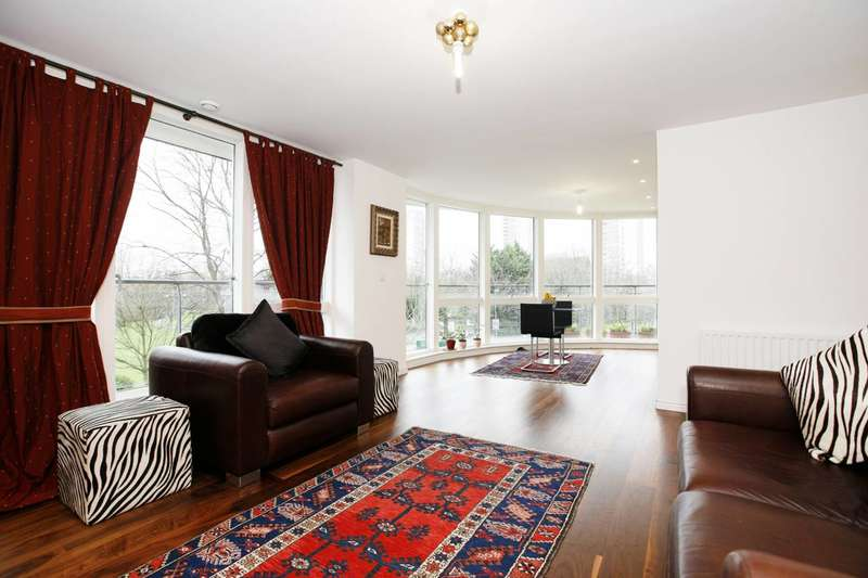 2 Bedrooms Flat for sale in Clayponds Lane, Brentford, TW8