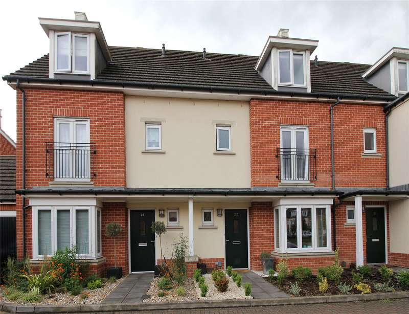 4 Bedrooms Terraced House for sale in Henage Lane, Woking, Surrey, GU22