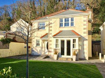 4 Bedrooms Detached House for sale in Bridge, Redruth, Cornwall