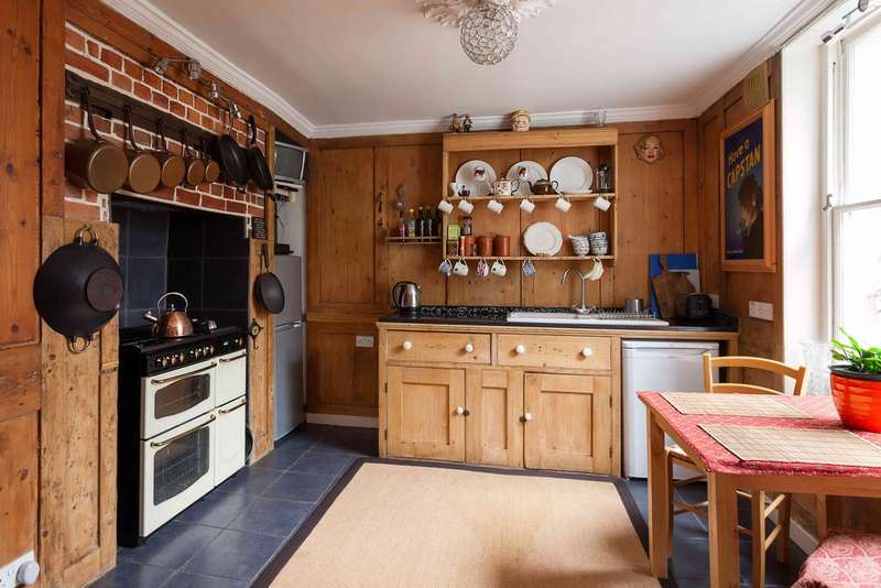 3 Bedrooms Town House for sale in Old Portsmouth, Hampshire