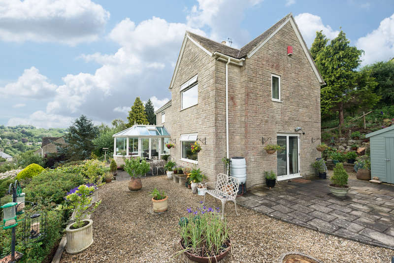 4 Bedrooms Detached House for sale in Windsoredge