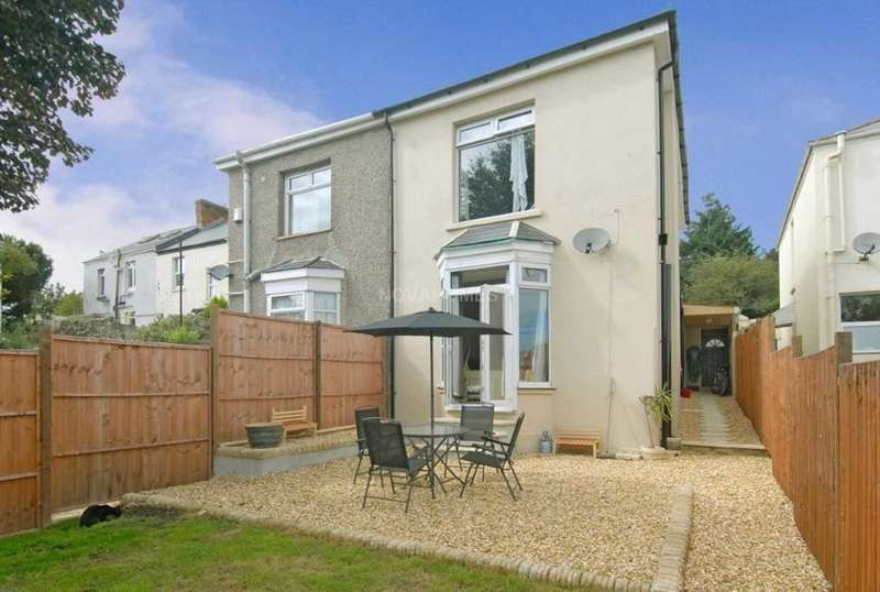 3 Bedrooms Semi Detached House for sale in Old Laira Road, Laira, PL3 6AG