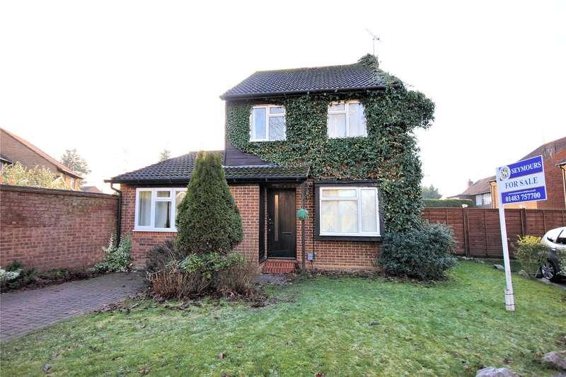 4 Bedrooms Detached House for sale in Fenwick Close, Woking, Surrey, GU21
