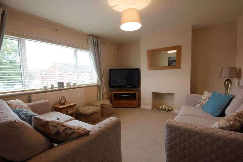 2 Bedrooms Flat for sale in Elm Avenue, Caddington