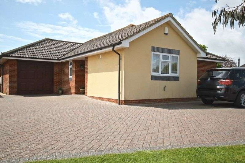 3 Bedrooms Detached Bungalow for sale in Crossways, Dorchester, DT2