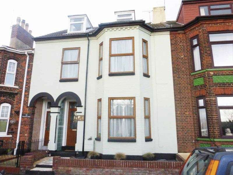 6 Bedrooms Terraced House for sale in Lowestoft