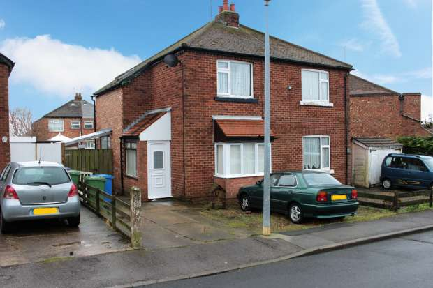 3 Bedrooms Semi Detached House for sale in St Mayrs Crescent, Bridlington, North Humberside, YO16 7LH