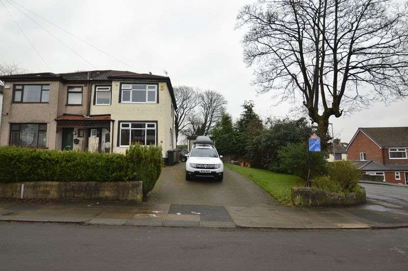 3 Bedrooms Semi Detached House for sale in Woodfield Avenue, Rochdale