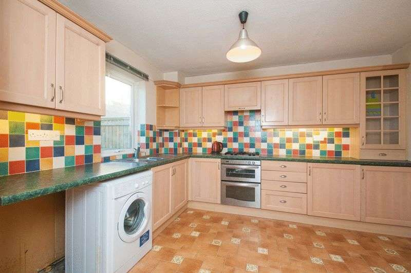 2 Bedrooms Terraced House for sale in Weston, Bath