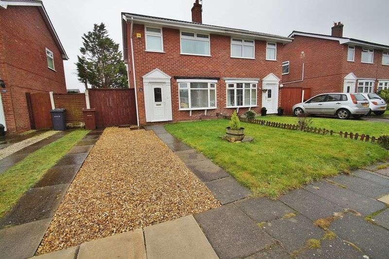 3 Bedrooms Semi Detached House for sale in Dodworth Avenue, Southport