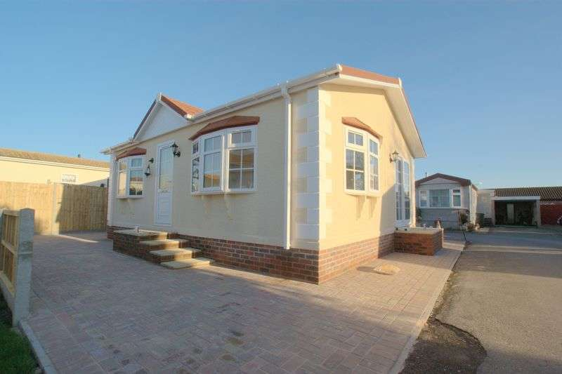 2 Bedrooms Detached Bungalow for sale in Gracelands Park Home