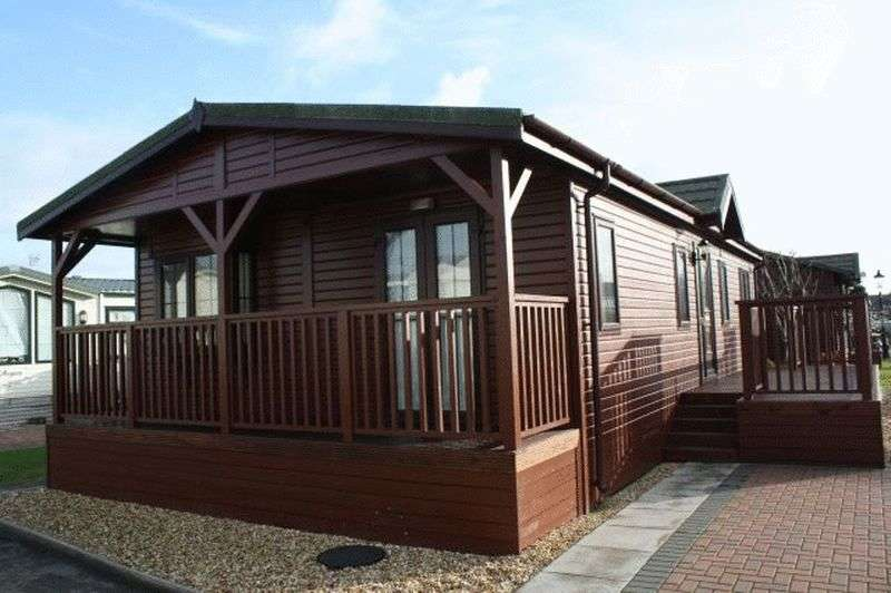 2 Bedrooms Bungalow for sale in Willowgrove Park, Sandy Lane, Preesall, Knott End, Lancashire, FY6 0RB