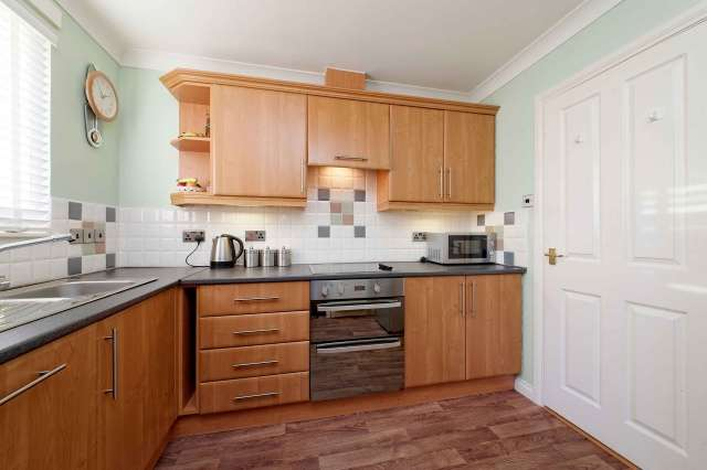 2 Bedrooms Semi Detached Bungalow for sale in Willison Crescent, Tillicoultry, FK13 6NZ
