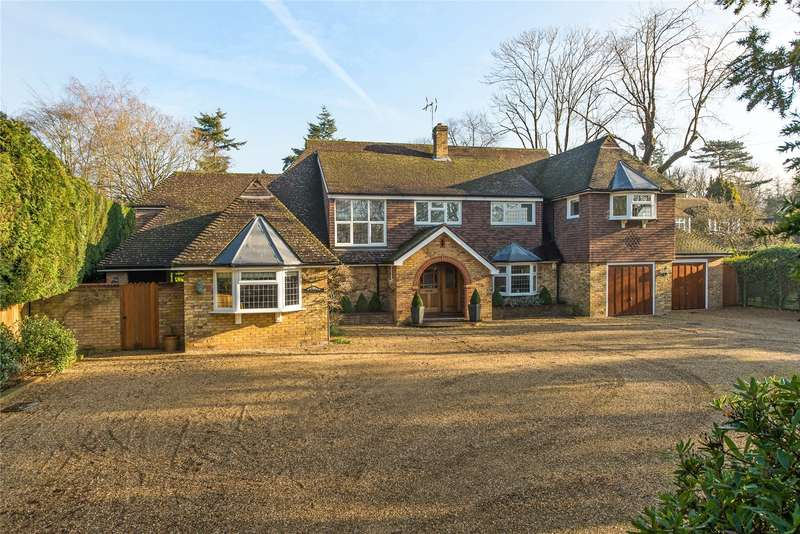 4 Bedrooms Detached House for sale in Fairmile Lane, Cobham, Surrey, KT11
