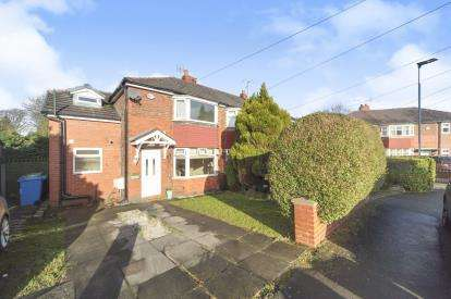 3 Bedrooms Semi Detached House for sale in Carlton Way, Glazebrook, Warrington, Cheshire