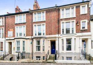 3 Bedrooms Maisonette Flat for sale in Parrock Street, Gravesend, Kent, England