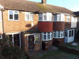 3 Bedrooms Terraced House for sale in Hawthorn Road, Rochester, Kent