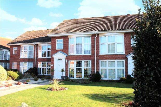 3 Bedrooms Terraced House for sale in Lime Grove, The Dell, Angmering, West Sussex, BN16