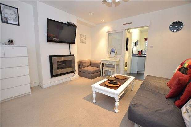 3 Bedrooms End Of Terrace House for sale in Lydney Road, Southmead, Bristol, BS10 5JS