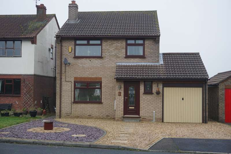 4 Bedrooms Detached House for sale in Cecil Road, Hunmanby, Filey, YO14 0LF