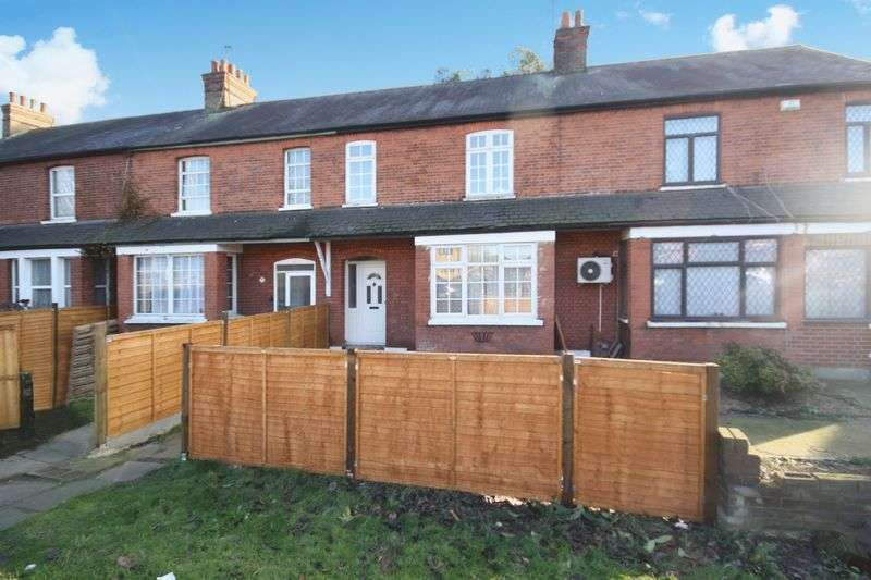 3 Bedrooms Terraced House for sale in Church Road, Northolt