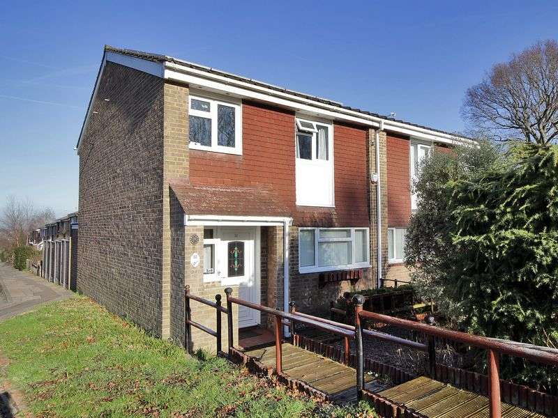 3 Bedrooms House for sale in Creasys Drive, Broadfield, Crawley, West Sussex