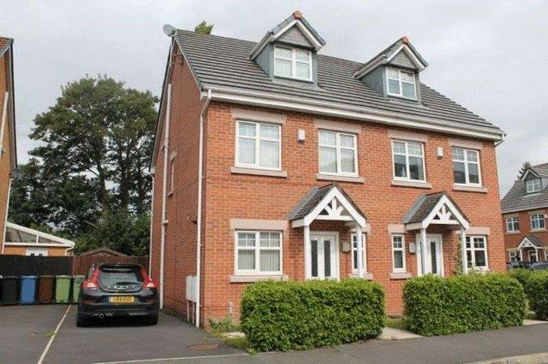 4 Bedrooms Semi Detached House for sale in Planewood Gardens, Lowton, WA3 2BS