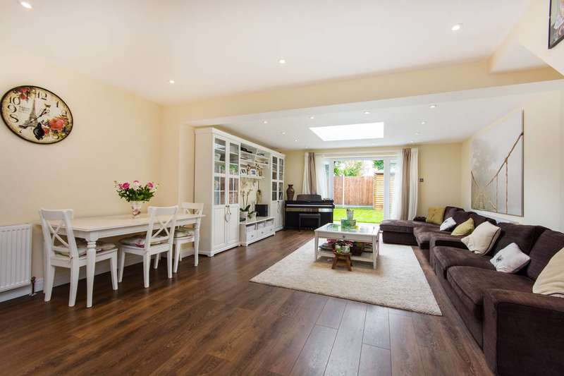 4 Bedrooms House for rent in Salem Place, Central Croydon, CR0