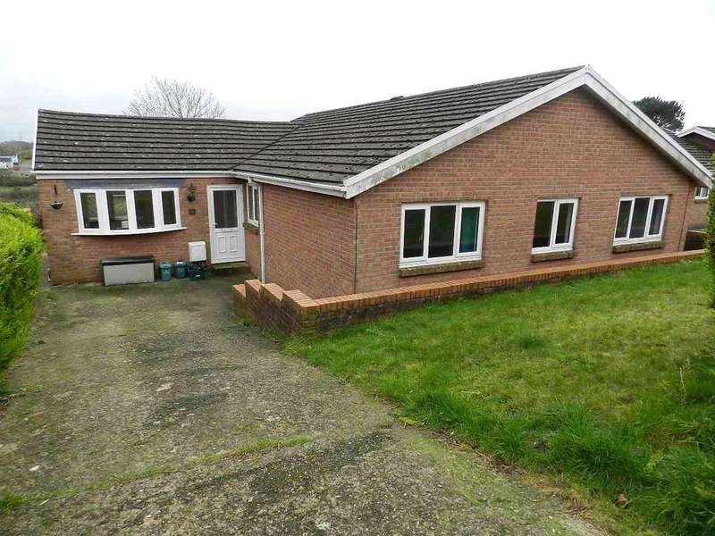 4 Bedrooms Detached Bungalow for sale in Shakespeare Close, Priory Park, Haverfordwest