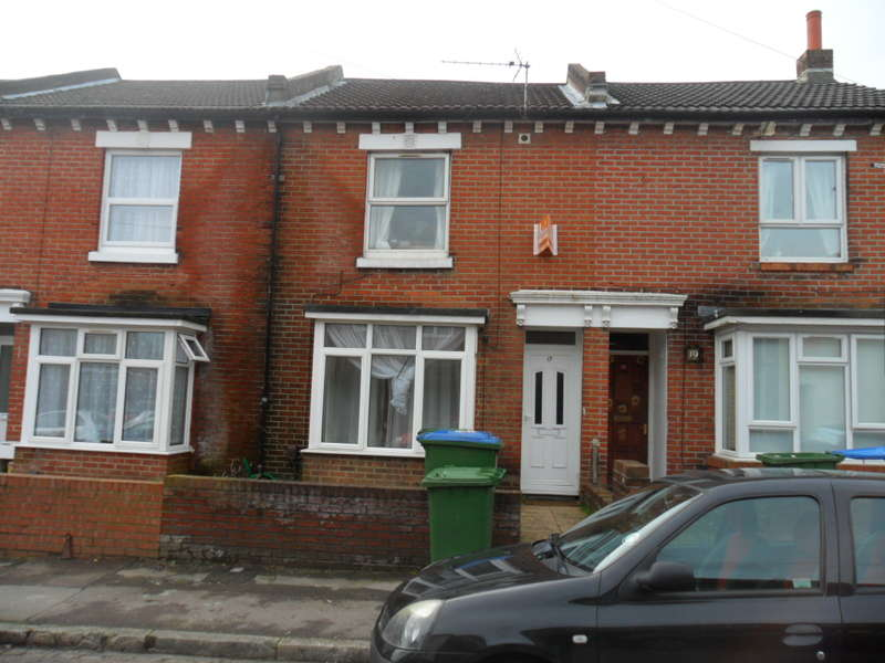 6 Bedrooms Detached House for rent in Spear Road,